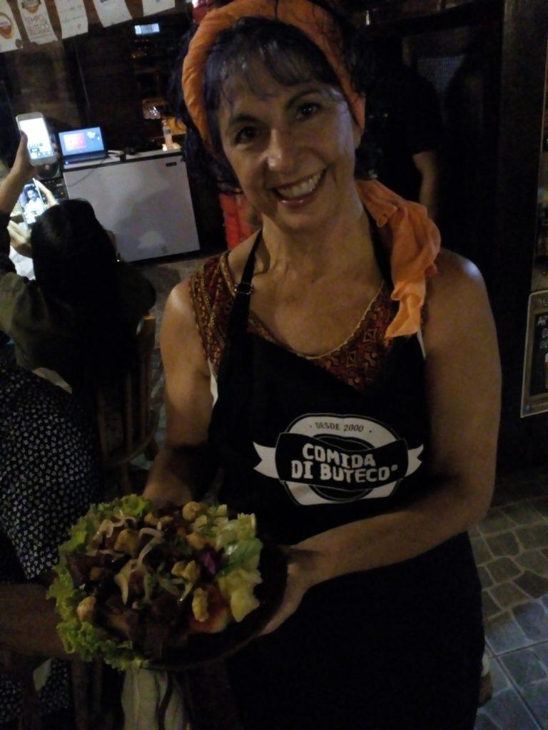 Laura Batista com seu Porco Virado na Lata