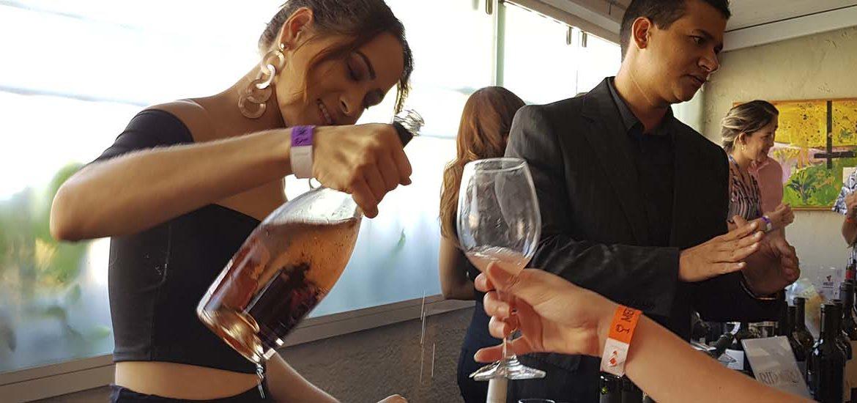Empório Tia Dulce promove mais uma edição do Vinho na Praça- verbocomer
