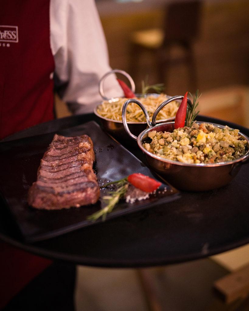 restaurante especializado em carnes preparadas na parrilla
